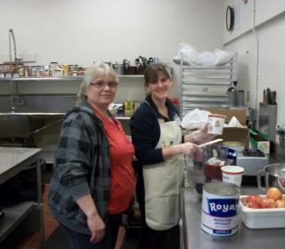 5-Food-Service-Director-Marla-Reed-and-VISTA-Rachel-Sacco-Large-1024x768.jpg